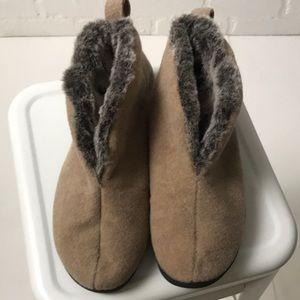 Brand new Acorn slippers Women's 8/9